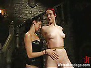 Domme turns the hose