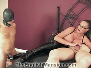 Cuckolding slave in sex action