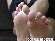 I'm addicted to getting my perfect feet worshiped