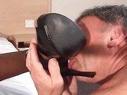 Taking a facesitting