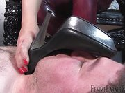 Being allowed to worship at the feet