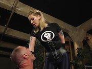 Maitresse Madeline Dick Drains New Slave