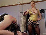 Aiden Star puts a new submissive
