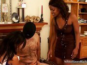 Ebony�s Give A Handjob To A White Slave