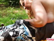 BBW milf blonde aroused with the hands of hunk massage guy