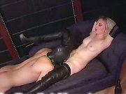 Hot blonde gives her pussy to worship