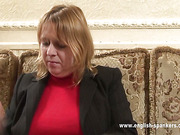 Mature English woman gave OTK spanking to girl