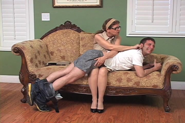 Femdom spanking topsites